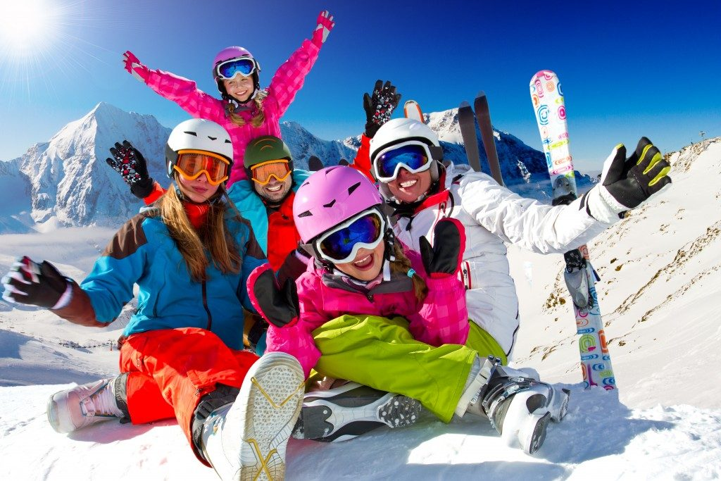 Family enjoying ski trip