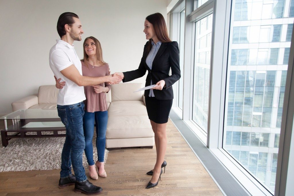 Couple meeting with broker